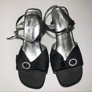 Black Kenneth Cole Sandals (SIZE APPROX)